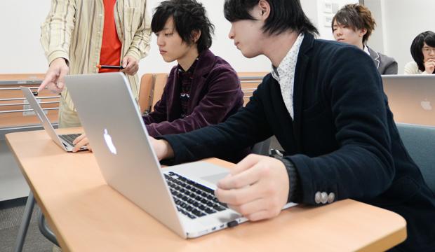 業界の最新動向に対応した技術を学ぶことができます。
