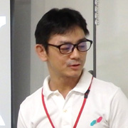 スタッフ芦田